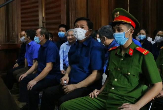 """Bị cáo Đinh La Thăng: """"VKS gắp lửa ném vào người chúng tôi"""""""