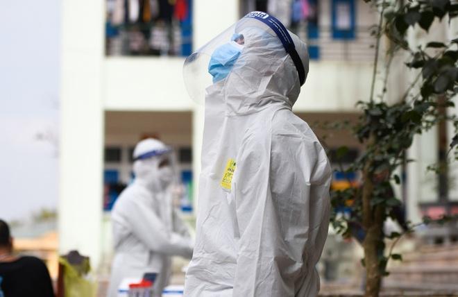 Tối 25/2, Công bố thêm 7 ca nhiễm COVID-19 lây nhiễm trong nước