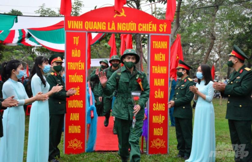 Hơn 2.500 thanh niên Nam Định lên đường nhập ngũ