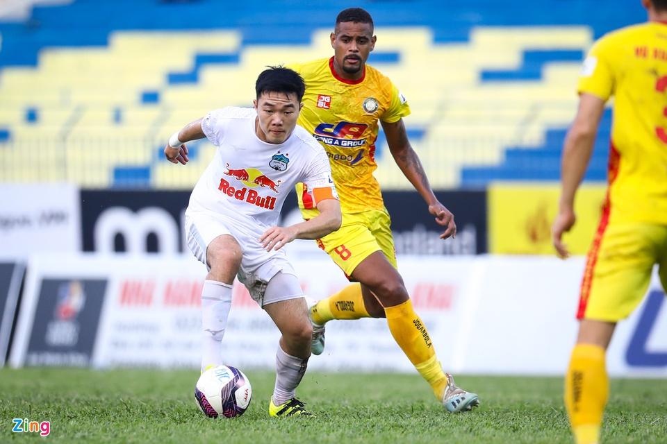 HAGL đuổi kịp Nam Định về số bàn thắng