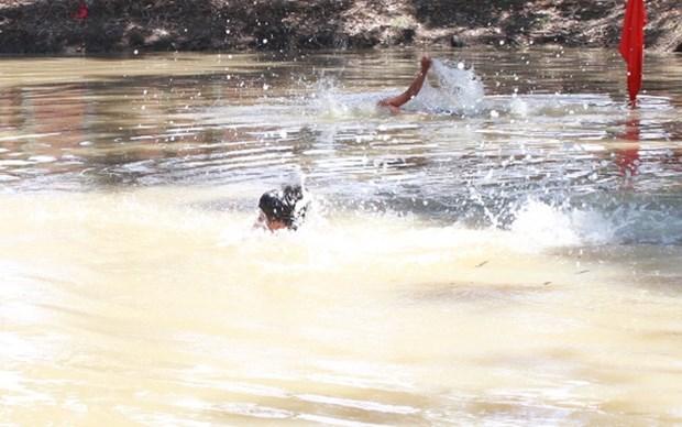 Nam Định: Một em nhỏ tử vong, một em phải cấp cứu do đuối nước