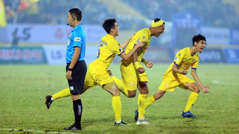 Những bàn thắng đẹp; Niềm vui ngất ngây trên sân Thiên Trường