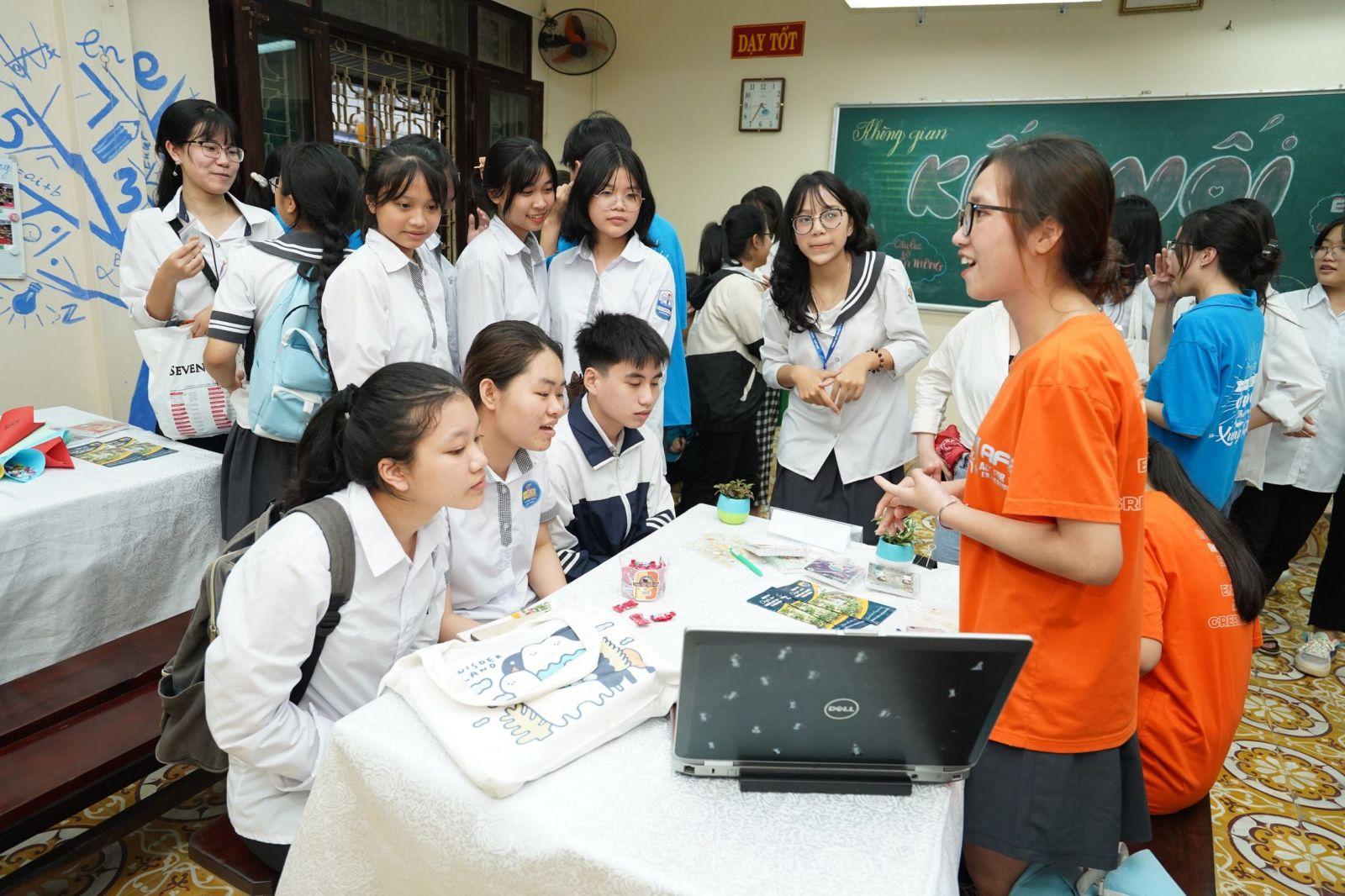 Nam Định nghiêm cấm tổ chức dạy và học thêm ngoài nhà trường