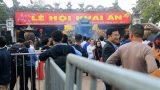 """Lễ hội Khai ấn Đền Trần Xuân Kỷ Hợi(Nam Định): Cán bộ """"ném tiền, cướp lộc"""" sẽ bị phê bình"""