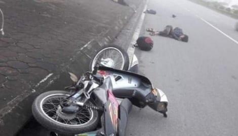 Nam Định: Xe máy mất lái khi đi tốc độ cao, 2 người thương vong