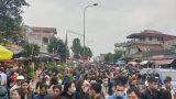 Hàng vạn người đổ về chợ Viềng
