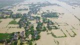 Nhiều ngôi làng ở Nam Định chìm trong nước lũ