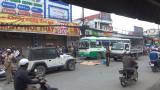 Phóng xe bạt mạng tông chết người, 1 thanh niên chạy trốn, đôi nam nữ bị dân vây bắt giao nộp công an
