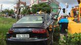 Nam Định: Ô tô bị tàu hỏa đâm trực diện, 2 người bị thương