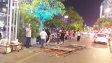 Sập giàn giáo, nam công nhân rơi từ tầng 3 trúng ô tô đậu bên đường