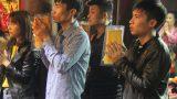 Thanh niên xin ấn đền Trần trước ngày cưới vợ