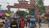 Chưa khai hội, chợ Viềng đã đông kín người