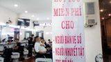 Chủ tiệm salon hớt tóc miễn phí cho người nghèo