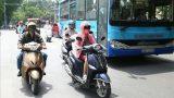 Dân Hà Nội đổ ra đường như chưa hề có cuộc cách ly