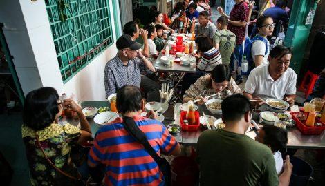 Quán phở Nam Định hơn 60 năm hút khách giữa lòng Sài Gòn