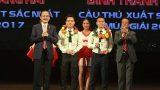 Gala trao giải mùa bóng 2017 – Đinh Thanh Trung nhận giải cầu thủ xuất sắc