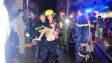 Cứu 5 người kẹt trong đám cháy ở Sài Gòn