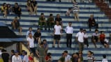 Nam Định bất lực trước Hà Nội, khán giả chán nản bỏ về
