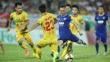 Cựu thủ môn U23 Việt Nam sai lầm, FLC Thanh Hóa chia điểm trước Nam Định