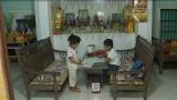 Trao học bổng cho 2 chị em mồ côi ở Nam Định