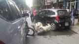 Mở cửa ô tô không quan sát, cô gái trẻ gây tai nạn chết người