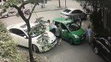 Cư dân mạng phẫn nộ trước hành vi của thanh niên đánh tài xế taxi người Nam Định