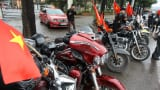 Trực tiếp: Dàn xe bus, xe phân khối lớn sẵn sàng lên đường đón U23 Việt Nam