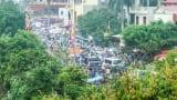 Cảnh xe cộ chen nhau 'nghẹt thở' đổ về chợ Viềng nhìn từ flycam
