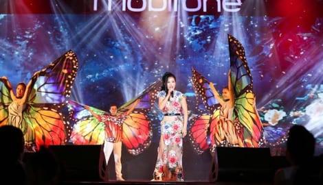 Diva Hồng Nhung đốn tim khán giả Nam Định trong đêm nhạc MobiFone