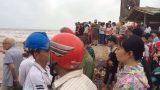 Nam Định: Rủ nhau tắm biển, 3 nam sinh lớp 11 mất tích