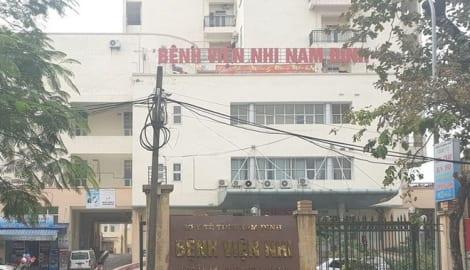 """Bắt 2 điều dưỡng Bệnh viện Nhi Nam Định """"ăn bớt thuốc"""" của bệnh nhi"""