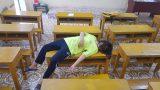 """Nam Định Đàn em khóa dưới háo hức vào xem ảnh review trường học, ai nấy """"toát mồ hôi hột"""" khi nhìn vào chiếc bóng ở cầu thang"""