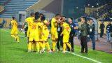 HLV Nam Định lo lắng trước trận đấu 'sống còn' với SLNA