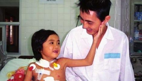 Cô bé quê NAM ĐỊNH ghép gan đầu tiên ở Việt Nam ra đi sau 17 năm thực hiện ca ghép