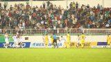 Pha va chạm khiến 2 đội lao vào nhau trong trận HAGL – Nam Định