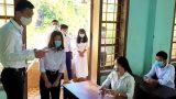 Một giáo viên nhiễm COVID-19 dự lễ bế giảng, đi coi thi THPT, dạy kèm