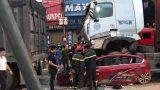 Vụ xe container chèn ô tô chờ đèn đỏ: Gặp nạn trên đường đi lễ về