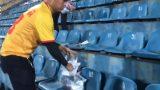 Ấn tượng vòng 1 V.League 2019: CĐV Nam Định dọn rác sau trận thắng của đội nhà
