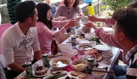 """Vụ ăn cỗ lấy phần: Người Nam Định có hẳn bài thơ """"Ăn cỗ lấy phần"""" ai cũng biết"""
