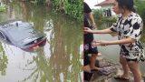 Đạp nhầm chân ga, nữ tài xế và 4 người lao xuống mương ở Nam Định
