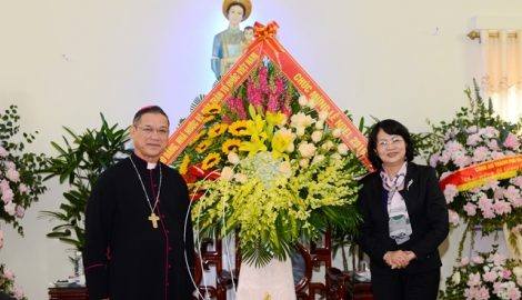 Phó Chủ tịch nước chúc mừng Giáng sinh tại Nam Định