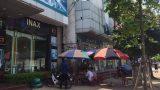 Triệu tập hai thanh niên Nam Định đánh phóng viên tìm hiểu vụ áo mưa 1 triệu