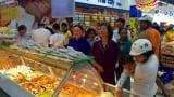 Siêu thị Co.opmart Nam Định hút khách nhờ khuyến mãi