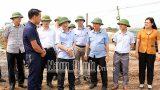 Đồng chí Chủ tịch UBND tỉnh kiểm tra tiến độ dự án đầu tư xây dựng tuyến đường bộ ven biển, đoạn qua địa bàn tỉnh