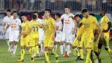 Nhiều đội bóng than trời khi V-League 2021 hoãn tới tháng 2/2022