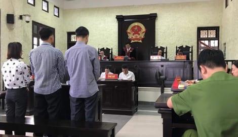 Phạt tù chung thân kế toán trưởng công ty đường sắt về tội lừa đảo