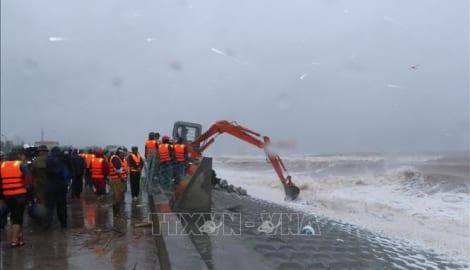 Nam Định khắc phục sự cố sạt lở bờ kè du lịch biển