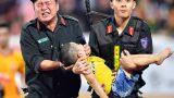 Tranh cãi chuyện chiến sĩ cảnh sát sơ cứu CĐV nhí ở Nam Định sai cách: Khoa học lý giải thế nào?
