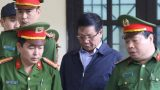 Cựu tướng Phan Văn Vĩnh nhầm năm sinh của con, lẫn thời điểm bắt khi lần đầu khai tại tòa