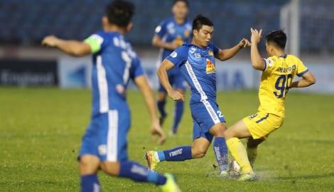 HLV Nguyễn Văn Sỹ: 'Tổ chức giải V-League có đẹp đâu mà sợ xấu'